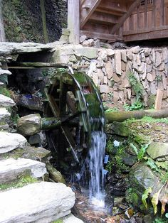 Working Water Wheel
