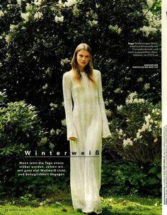 Must have d'inverno : il maxi-dress in maglia di stefanel . Una trama preziosa , che scivola sulle forme come una carezza e affascina per l'eleganza. Visto su brigitte germania  #stefanel #stefanelvigevano #vigevano #lomellina #piazzaducale #stile #moda #fashion #models #look #outfits #outfitoftheday #lookdonna #cardigan #lana #wool #instalook #instagram #instafoto #fallWinter #collection #foto #trendy #looks #instaoutfit #dress #vestito #abito