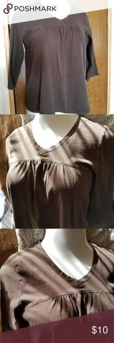 Adorable cotton top in chocolate brown Versatile top with dropped yoke, gathered at bust line, V-neck, three-quarter sleeves, 100% cotton. Size tag is missing but this top seems to be a Large. Excellent used condition. Tops