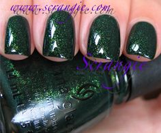 **China Glaze - Glittering Garland (Let It Snow! Collection Holiday 2011) / Scrangie
