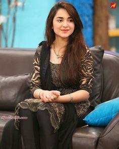 Beautiful and elegant Yumna Zaidi Pakistani Models, Pakistani Girl, Pakistani Actress, Pakistani Dresses, Bollywood Actress, Beautiful Girl Indian, Beautiful Girl Image, Beautiful Celebrities, Beautiful Actresses