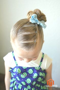 Three connected ponies into a side topknot Toddler Hairstyles Girl Connected ponies Side topknot Easy Toddler Hairstyles, Baby Girl Hairstyles, Pretty Hairstyles, Easy Hairstyles, Toddler Hair Dos, Hair Kids, Girls Hairdos, Little Girl Hairdos, Kind Mode
