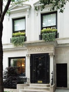 upper east side town house a block from central park.. uh hello call me blair waldorf