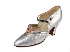 Silver leather shoes with triangle tongue embroidered with roses on the reverse, 1900-1919