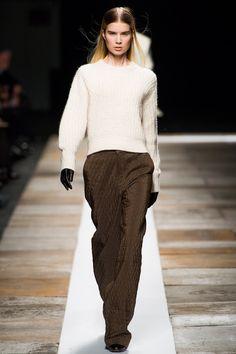 Theyskens' Theory Fall 2013 Ready-to-Wear Fashion Show - Elsa Sylvan