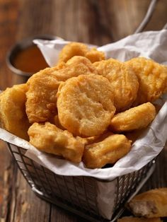 Chicken Nuggets - Easy Recipe - Gourmand - My WordPress Website Food Porn, Foods To Avoid, Beignets, Yum Yum Chicken, Junk Food, Gourmet Recipes, Easy Recipes, Love Food, Easy Meals