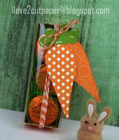 Carrot tags for sweet gifts at Easter.