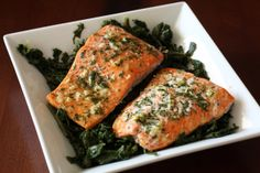 Simple Baked Salmon with Lemon, Garlic, and Parsley