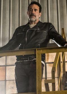 Negan in The Walking Dead Season 7 Episode 7   Sing Me a Song