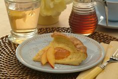 Super Simple Baked Pancakes is a delectable recipe submitted by DaVita patient Peggy from Missouri. This kidney-friendly pancake batter is not cooked in the traditional manner, but rather it's baked, giving a new twist to cooking a pancake. Davita Recipes, Kidney Recipes, Healthy Recipes, Renal Diet, Dialysis Diet, Kidney Friendly Diet, Baked Pancakes, Friend Recipe, Morning Food