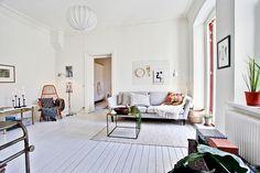 Härligt ljusinsläpp i vardagsrummet. Bjurfors.se