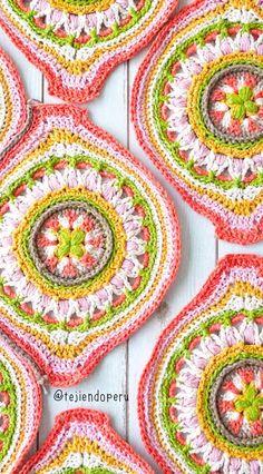 Moroccan granny for afghans or blankets / Tejiendo Peru Crochet Circles, Crochet Blocks, Crochet Squares, Crochet Motif, Crochet Patterns, Baby Blanket Crochet, Crochet Baby, Knit Crochet, Granny Pattern