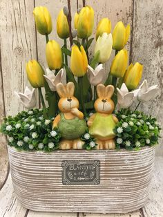 ♥ ~ ♥ Spring into Easter ♥ ~ ♥ Happy Easter, Easter Bunny, Easter Eggs, Easter Flower Arrangements, Diy Ostern, Easter Parade, Deco Floral, Easter Holidays, Easter Table