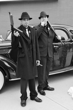 Groom and Best Man. My Gangster Wedding. Gangster Wedding, 1920s Wedding, Red Wedding, Wedding Ideas, 1920 Gangsters, Groomsmen Wedding Photos, Mafia Gangster, Gangster Style, 1920s Outfits