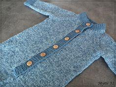 Myrte ♥: Blå heldress Kindergarten, Crochet Patterns, Knitting, Diy, Baby Knitting, Dots, Bebe, Kindergartens, Do It Yourself