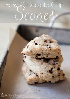 Im Topsy Turvy: Easy Chocolate Chip Scones