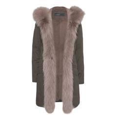 YVES SALOMON Doublure En Fourrure Parka Vert // Parka with fur lining... ($1,095) ❤ liked on Polyvore featuring outerwear, coats, jackets, fur trimmed parka, fur trim hooded parka, fur parka, fur-trimmed coat and fur hood coat