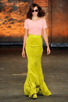 Bright, vibrant yellow paired with pastel coral.  Christian Siriano is right on point.