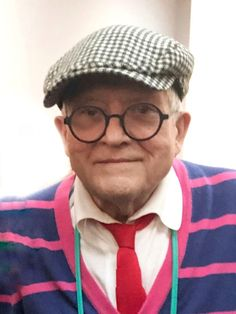 David Hockney - artist and style icon.