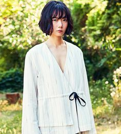 http://doona-baes.tumblr.com/post/161831057321/doona-bae-for-big-issue-june-2017