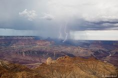 Galeries photos | Chasseurs d'Orages Grand Canyon, Nature, Display Cases, Thunderstorms, Lightning, Hunters, Photo Galleries, Grand Canyon National Park, Nature Illustration
