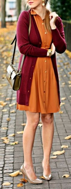 MODERN MIXING: Burnt orange & maroon compliment each other nicely thanks to their warm undertones.