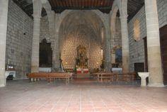 Interior de la iglesia de San Pedro Apostol.