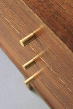Rzuć Pan Okiem – Odnawianie Mebli Drewnianych » TRZECIE URODZINY. SZAFKA, KTÓREJ MIAŁO NIE BYĆ