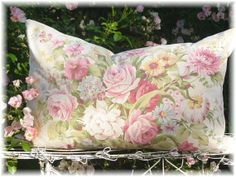 Hey, I found this really awesome Etsy listing at http://www.etsy.com/listing/70379992/1930s-english-pink-cabbage-rose-floral