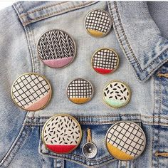 Sorry gals, that herringbone pin from @marigoldandmars is mine! Hope Santa brings me one! Check out her cute new pins, rumor has it---they'll be in her next shop update! Oh Lord, let it be soon.