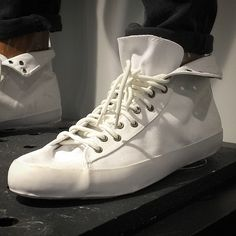 Anyone know who makes these kicks? / runners? / sneakers? / high tops? / trainers?  #whatbrand #whomakesthese #runners #kicks #sneakers #hightops #hitops #trainers #shoeconnoisseurs