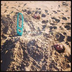 Quut in Illinois, USA ! @lollieshop - Fun with our new #Quut Scoppi. #beach #toys