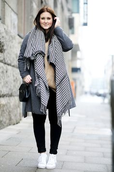 Outfit grey coat white sneakers