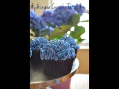 How to Decorate Cupcakes with Tip 127 – 8 ways! - YouTube