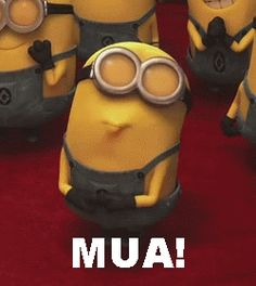 If you're sad Take a look at this minion He is giving you a kiss. If you are not sad Still, take a look at this minion He's giving you a kiss! Amor Minions, Minions Love, My Minion, Minions Quotes, Funny Minion, Minions Cartoon, Happy Minions, Minion Shoes, Minions Images