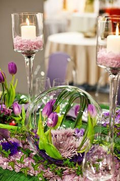 Spring wedding ideas, table set up, wedding colors, colorful weddings, Purple and green spring table Table Arrangements, Floral Arrangements, Purple Wedding, Wedding Flowers, Tulip Wedding, Fleur Design, Low Centerpieces, Purple Centerpiece, Fishbowl Centerpiece