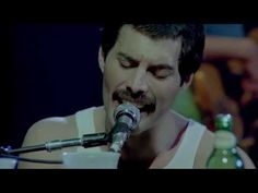 """Queen - Somebody to Love (LIVE - HD) - This is a big """"F YOU"""" to all the lip-syncing, auto-tuned hacks on stage these days."""