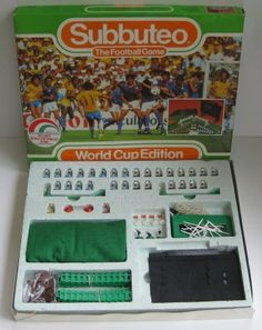 Subbuteo 1986 World Cup Edition Retro Football, World Football, Football Stuff, Vintage Football, Retro Toys, Vintage Toys, 70s Toys, Old Sweets, Image Foot
