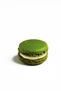 You can find the base macaron shell recipe here.