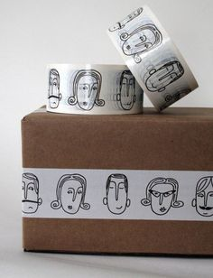 14 Brilliant Packaging Ideas for eCommerce Sellers packaging - Love a good success story? Learn how I went from zero to 1 million in sales in 5 months with an e-commerce store. Soap Packaging, Brand Packaging, Packaging Ideas, Packaging Stickers, T Shirt Packaging, Food Box Packaging, Clothing Packaging, Custom Packaging, Corporate Design