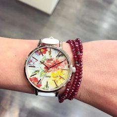 Kleurrijk dameshorloge 😍😍. De lente komt eraan, en met dit klokje zal je wel heel vrolijk opstaan! Ontdek alle sieraden & horloges op www.aperfectgift.nl . . . #loisir #horloges #dameshorloges #horloge #cadeau #cadeautje #cadeaus #cadeautip #inspiratie #cadeauvoorhaar #merk #sieraad #sieraden #sieradenwebshop #sieradenwebwinkel #rosegoud #inspo #armcandy #armparty  #trendy #jewellery #jewelry #jewelrydesign #jewelleryaddict #design #brand #branding #jewellerydesign Bracelet Watch, Watches, Bracelets, Leather, Accessories, Fashion, Clocks, Hobbies, Moda