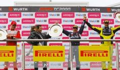 Podio y punta del campeonato para Renault