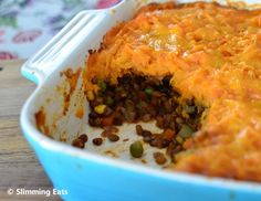 Lentil Shepherds Pie Slimming Eats Recipe Serves 4 Green – 1 HEa per serving Extra Easy – 1 HEa per serving Ingredients 1 cup of uncooked brown lentils, rinsed 1 onion, finely chopped 2 cloves Vegan Slimming World, Slimming Eats, Slimming World Recipes, Wrap Recipes, Baby Food Recipes, Cooking Recipes, Family Recipes, Lentil Recipes, Vegetarian Recipes