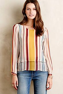Love the cut and colors of this top.