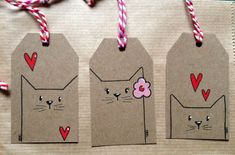 diy gifts These tagged envelopes add a first-class touch to your first-class mail. Perfect for gifts too! Get the DIY instructions at Oh Crafts. Diy Paper, Paper Crafting, Paper Tags, Kraft Paper, Christmas Tag, Christmas Crafts, Handmade Christmas, Halloween Crafts, Cat Tags