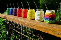 Idea for tea light jars. Crochet Home, Love Crochet, Diy Crochet, Crafts To Make, Diy Crafts, Mason Jar Projects, Minnie Mouse Party, Bottles And Jars, Diy Candles