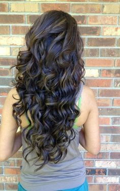 19 Pretty Permed Hairstyles - Best Perms Looks You Can Try This hair styles for girls with curly hair - Hair Style Girl Layered Curly Hair, Long Curly Hair, Curly Hair Styles, Thick Hair, Straight Hair, Layered Curls, Curly Short, Long Layered, Love Hair