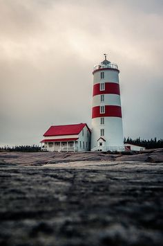 Phare de Pointe-des-Monts, Quebec, Canada