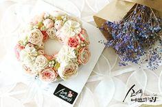 "[ SOYAE CAKE ] 앙금플라워 떡케이크 "" 베이비핑크 "" 소개합니다  ~ 2호사이즈 ( 지름18센치 )  ~ 흑임자설기 ( 흑임자필링 )  ~ Flower CAKE ( 리스 )   Www.so-ye.co.kr  blog.naver.com / jungjung2015   #소예 #예쁘게담다 #앙금 #앙금케익 #앙금꽃 #앙금케이크 #꽃케익 #앙금꽃 #flower  #소통 #꽃스타그램 #꽃 #분당떡케이크 #기념일 #첫돌 #백일 #환갑 #앙금수업문의 #riceflowercake #wilton #wiltoncake #ricecakeflowercake #koreanbuttercream #flowers #baking #beanpaste #beanpasteflower #seoul #hongdae #cakeicing #플라워케이크 #떡케이크 #Ricecake #vivicake #앙금플라워"