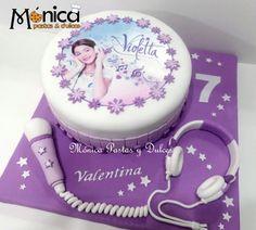 Torta VIOLETTA  con detalles únicos en ella, elaborado por MONICA PASTAS Y DULCES